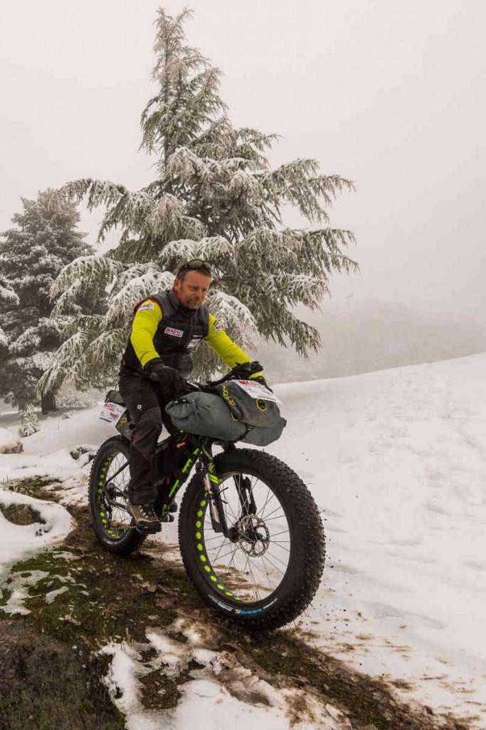 Bicicleta sobre nieve