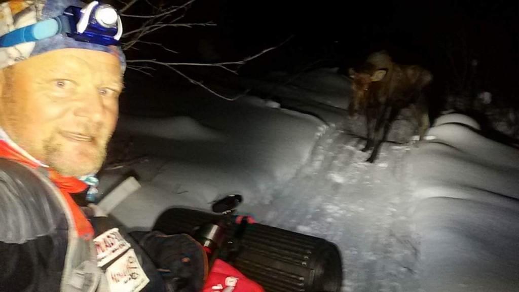 Antonio de la Rosa fotografiando al Moose