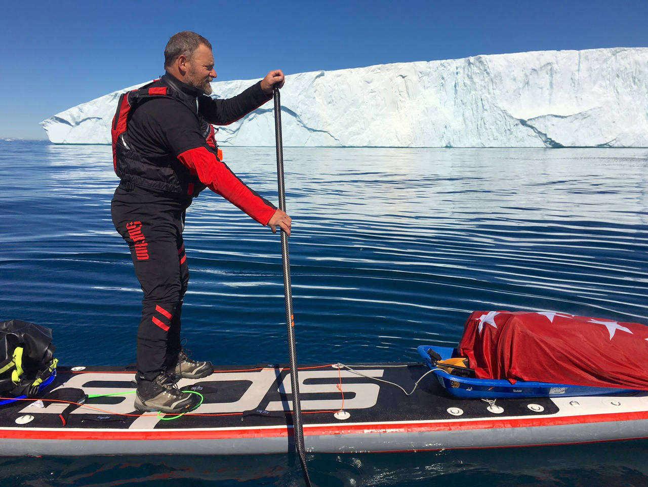 500 kilómetros remando en solitario sobre una tabla de paddle-surf por las costas groenlandesa