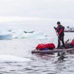Antonio de la Rosa remando en el Círculo Polar Ártico