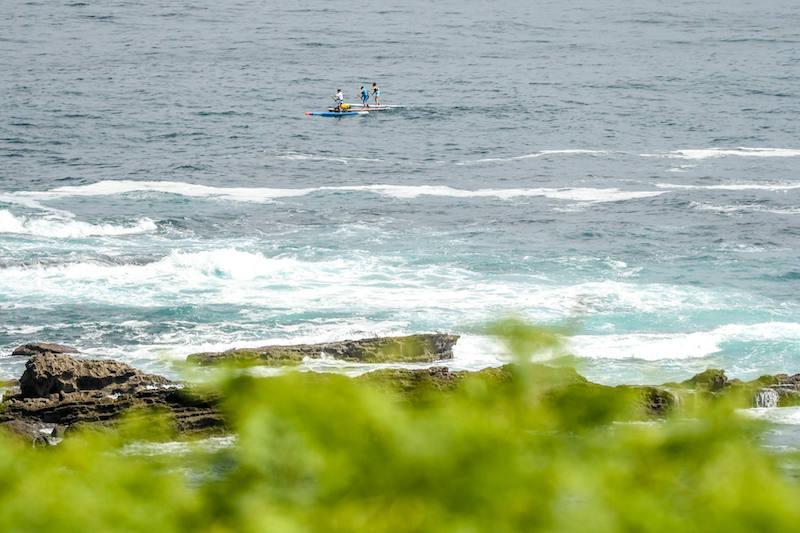 El aventurero español Antonio de la Rosa surca los mares cántabros