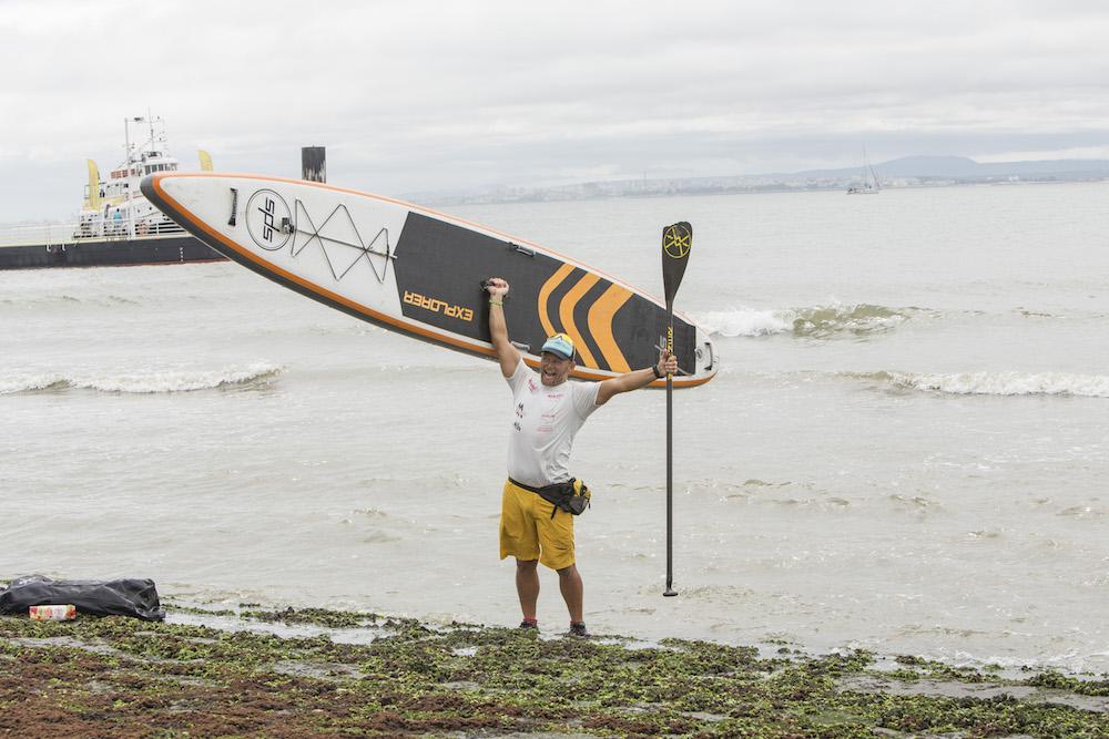 Antonio de la Rosa se convierte en la primera persona en unir Madrid con Lisboa en paddle surf