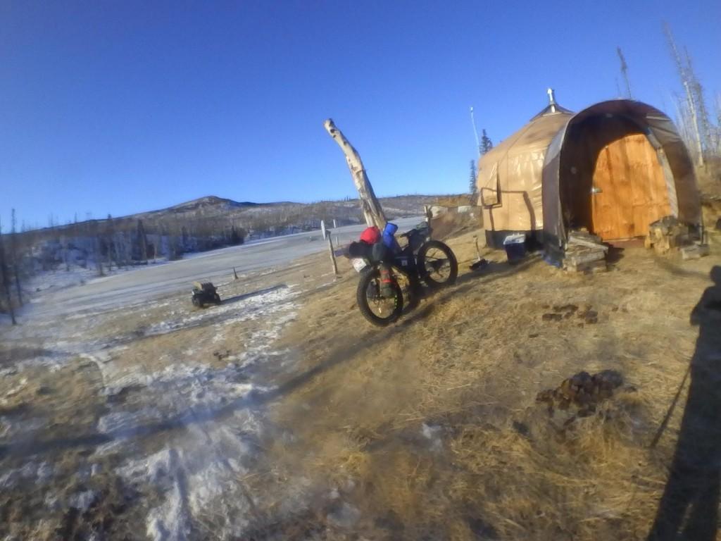 La fat bike de Antonio de la rosa en un descanso de la Iditarod Trail